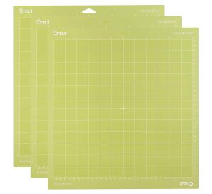 Read more about the article Cricut Standard Grip Cutting 12×12- 3 Pack